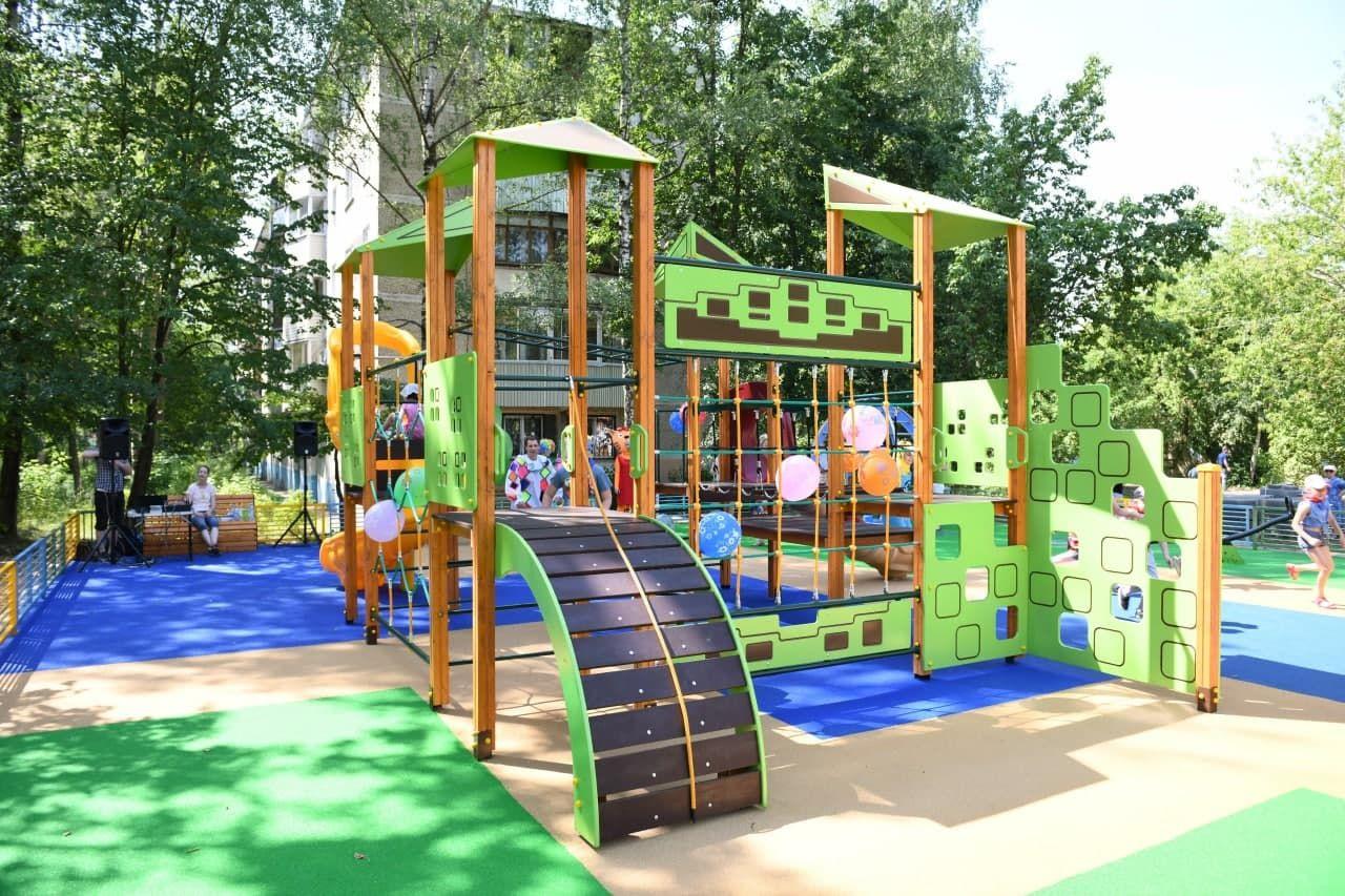 Губернаторскую детскую площадку открыли в микрорайоне Дмитрова4