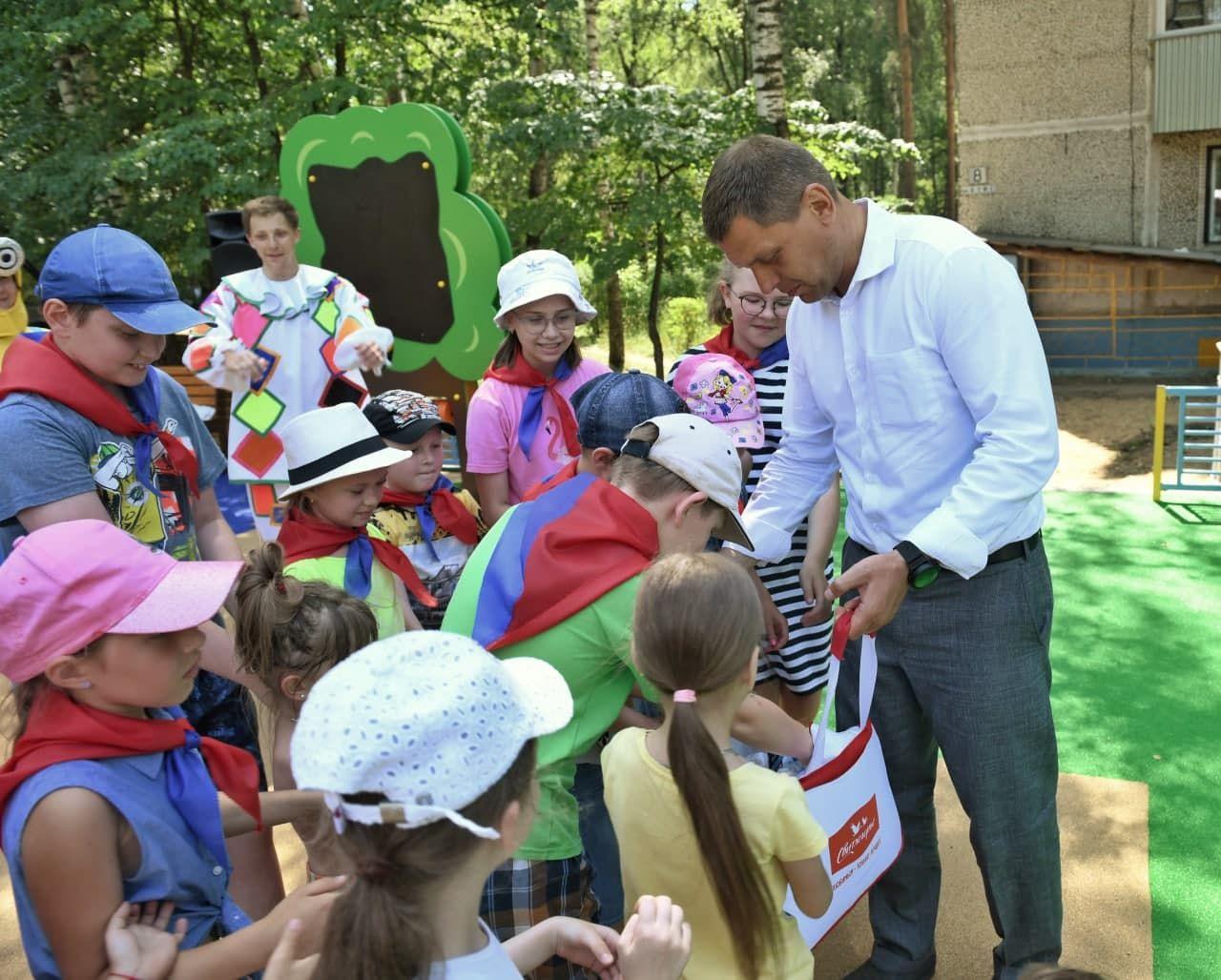 Губернаторскую детскую площадку открыли в микрорайоне Дмитрова2