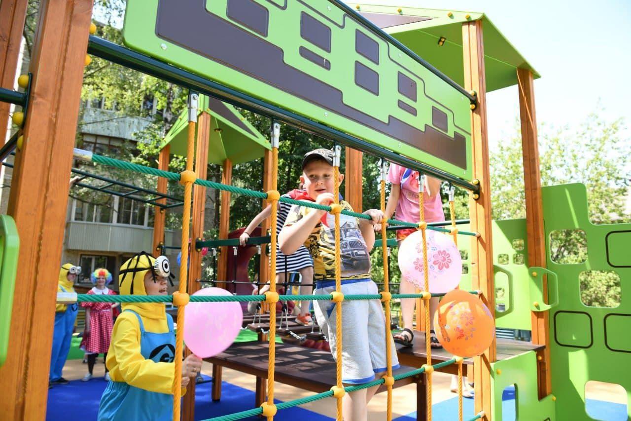 Губернаторскую детскую площадку открыли в микрорайоне Дмитрова3