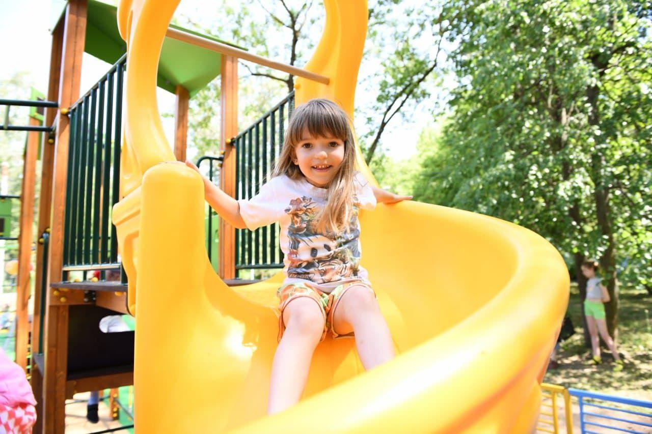Губернаторскую детскую площадку открыли в микрорайоне Дмитрова0